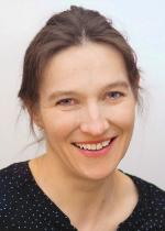 Claudia Gust-Komma